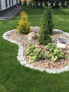 Kauniit pihat asuntomessuilla – Home Vanilla Small Yard Landscaping, Landscaping With Rocks, Back Gardens, Outdoor Gardens, Rockery Garden, Front Garden Landscape, Rock Garden Design, Shade Garden, Vanilla