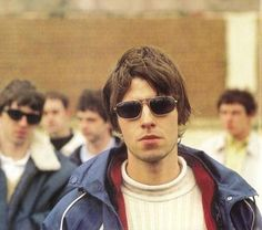 posts about bands, good movies and tv shows I hope you enjoy :) from Brazil. Lennon Gallagher, Liam Gallagher Oasis, Noel Gallagher, Liam And Noel, Definitely Maybe, Oasis Band, Beady Eye, Britpop, Music Icon