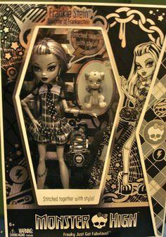 Monster High SDCC 2010 Exclusive Frankie Stein Black White Doll New | eBay