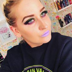 This #sweater from @hm 💜💜💜 #look #beauty #mua #makeup #makeuplook #makeupaddict #cybergoth #cybermakeup #lotd #purplelips #neon #neonmakeup #eyeshadows from @sugarpill and @urbandecaycosmetics browgel from @sleekmakeup lipstick from @sephora contour from @katvondbeauty 😘😘😘🍬🍬🍬 #uuchallenge @selfiequeens_no