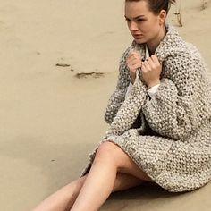 #kirobykim #verychunky #handmadeinrotterdam #handknit #sand #cardigan