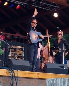 tom hiddleston wheatland music festival | Tom Hiddleston Sings at a Country Music Festival, Is All Things ...