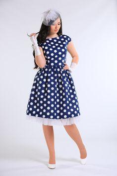 Šaty v retro-stylu s velkými puntíky vel. 38 - 40   Zboží prodejce V. 9e75c7f1ba
