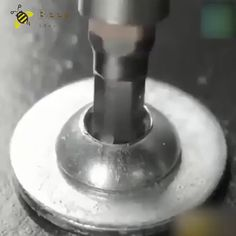 Screw Extractor Quickly remove stubborn, rusty, flaking screws or bolts! Homemade Tools, Diy Tools, Woodworking Box, Unique Woodworking, Woodworking Projects, Garage Tools, Garage Ideas, Construction Tools, Metal Working Tools