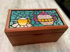 Mosaic Art, Mosaic Tiles, Cube, Diy And Crafts, Projects To Try, Decorative Boxes, Creations, Entertaining, Toys