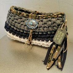 ズパゲッティ クラッチバッグ ミリタリー ハンドメイドのファッション小物(バッグ)の商品写真