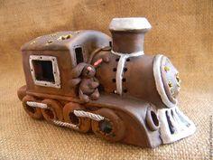 """Купить Подсвечник """"Паровоз с зайцами"""" - коричневый, подсвечник, светильник, ночник, паровоз, паровозик, подсвечник керамический"""