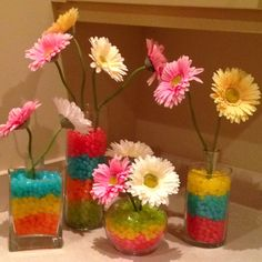 Cute decorations for dorm room! Would need orange and white flowers (: