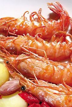 Homenaje de gambones al horno, por @falsarius Seafood Buffet, Seafood Menu, Seafood Gumbo, Seafood Pasta, Seafood Dinner, Seafood Recipes, Soup Recipes, Dinner Recipes, Recipies