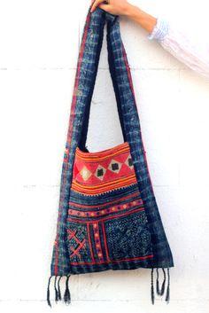 Ethnic Bag, Hippy Chic, Diy Handbag, Boho Bags, Jute Bags, Estilo Boho, Simple Bags, Denim Bag, Handmade Bags