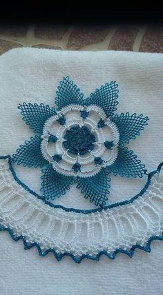 Nhora Guerrero's media content and analytics Seed Bead Tutorials, Beading Tutorials, Knitted Poncho, Knitted Shawls, Crochet Art, Crochet Doilies, Doily Patterns, Crochet Patterns, Needle Lace