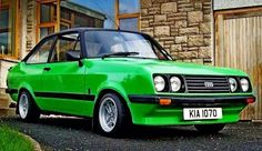 LeMans green This is what my carsalesman DAD bought home 1 night in Always loved these & their relatives Classic Fords For Sale, Ford Classic Cars, Ford Rs, Car Ford, Cool Sports Cars, Sports Car Racing, Retro Cars, Vintage Cars, Ford Capri