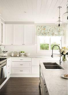 American beauty: State-side style - The American dream is alive and well in this simply stunning Sydney home - Farmhouse Style Kitchen, Modern Farmhouse Kitchens, Country Kitchen, New Kitchen, Cool Kitchens, Kitchen Decor, Kitchen Ideas, Awesome Kitchen, White Kitchens