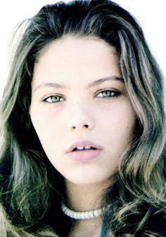 ORNELLA MUTI -- HERTZKLOPFEN ! Ornella Muti, Image Search, Cinema, Actors, Beauty Women, Face, Beautiful, Sexy, Italia