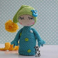Crochet elf with dew drops on the lashes pdf pattern por VendulkaM