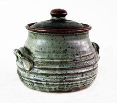 Len Castle, stoneware lidded casserole… - New Zealand & International Studio Pottery - Art+Object - Antiques Reporter