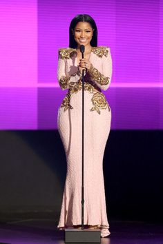 Nicki Minaj presents the award for favorite duo or group – pop/rock wearing Michael Costello at the American Music Awards at the Microsoft Theater in Los Angeles.