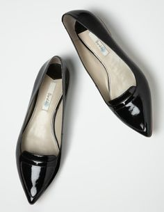I've spotted this @BodenClothing Fashion Pointed Flats Black