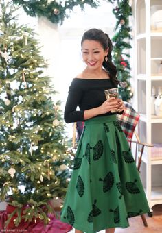 Classic vintage-style outfit // tea-length midi skirt (B.Jones pine fan print) + off shoulder black tee