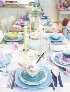 mismatched place settings | love the mismatched but coordinated place settings