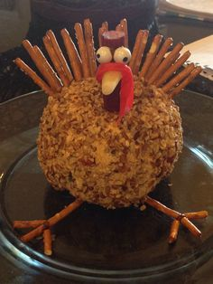 Turkey cheese ball for Thanksgiving or fall appetizer. Thanksgiving Snacks, Thanksgiving Turkey, Happy Thanksgiving, Holiday Appetizers, Holiday Treats, Fall Recipes, Holiday Recipes, Pumpkin Recipes, Christmas Desserts
