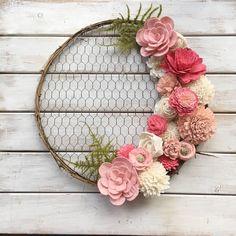 14 inch Round Chicken Wire Wreath Form - Oh! You're Lovely - Sola Wood Flowers 14 inch Round Chicken Wire Wreath Form - Oh! You're Lovely - Sola Wood Flowers Sola Wood Flowers, Diy Flowers, Crochet Flowers, Paper Flowers, Diy Spring Wreath, Diy Wreath, Wood Wreath, Felt Wreath, Twine Wreath