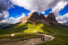 Sassolungo - I took this picture taken back in 2012 while I was on vacation in the Dolomites. Shooting although no flaw in good light, tells the holiday spent in those mountains and beautiful walks that you can do during the summer