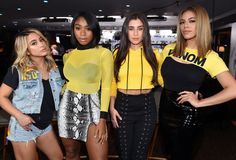 Hey lets all where yellow and not tell ally,