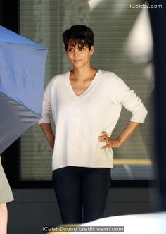 Halle Berry Halle Berry spotted filming her Sci-Fi drama series