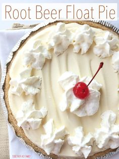 ROOT BEER FLOAT PIE | creamy, light, cool and tastes exactly like a root beer float! www.togetherasfamily.com