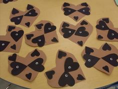 chester the raccoon craft to go along with The Kissing Hand