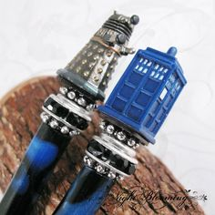 Custom Doctor Who hair sticks by Nightblooming on Etsy.  And they're mine, all mine!   Muahahahaha!