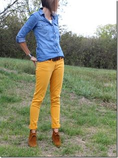 How To Wear Belts Chambray Maxi Skirt Belt - Discover how to make the belt the ideal complement to enhance your figure. Mustard Jeans Outfit, Yellow Pants Outfit, Mustard Yellow Pants, Mustard Top, How To Wear Belts, Gold Pants, Casual Outfits, Fashion Outfits, Spring Fashion