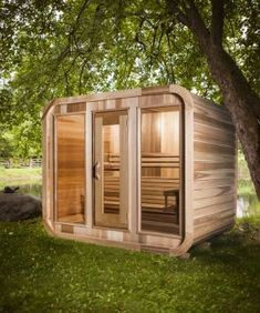Good sauna designs and plans make your sauna project perfect. When you decide to design your own sauna, it is important to consider several factors. Heaters are the heart and soul of any sauna. Sauna House, Sauna Room, Spa Sauna, Building A Sauna, L Shaped Bench, Wood Burning Heaters, Barrel Sauna, Tiered Seating, Sauna Heater