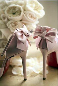 High heels & roses