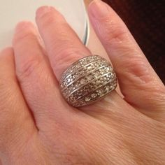 Size medium ring Medium sparkly ring, it's sterling silver, from Avon Avon Jewelry Rings
