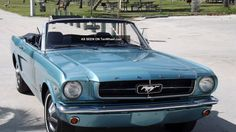 1964_1__2_ford_mustang_convertible__turquoise_metallic_with_black_interior__v8_5_lgw.jpg (1600×900)