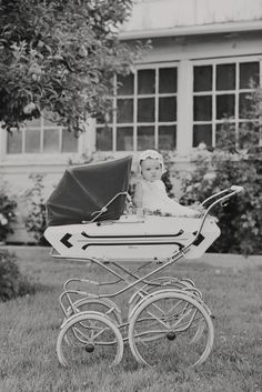278 beste afbeeldingen van kinderwagens baby buggy vintage pram en prams. Black Bedroom Furniture Sets. Home Design Ideas