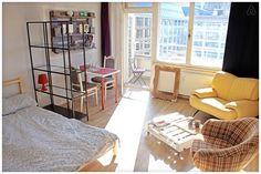 Airbnbで見つけた素敵な宿: Very central nice apartment - 借りられるアパート - ベルリン Cozy Apartment, Cozy Room, Refurbishment, Fancy, Nice, Table, Berlin, Furniture, Home Decor