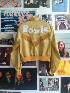 Merchjunkies _ Gold Western Bowie Jacket
