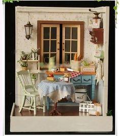 Vitrine Miniature, Miniature Rooms, Miniature Kitchen, Miniature Houses, Miniature Furniture, Dollhouse Furniture, Wooden Dollhouse, Diy Dollhouse, Dollhouse Miniatures