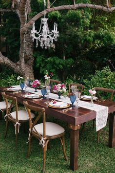 A modern vintage tablescape set up on the beautifully manicured grounds of La Jolla Woman's Club | Photo by Ashley Williams | Event design by R. Nicole Events