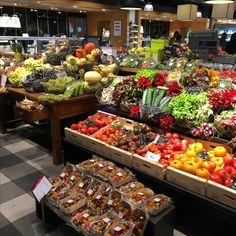 Globus Store Lausanne, Vegetables, Store, Food, Vegetable Recipes, Storage, Eten, Veggie Food, Business