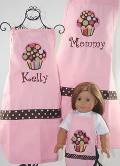 Sidney would freak out! Matching Mommy, Daughter & American Girl doll matching aprons on Etsy Personalised Cupcakes, Pink Apron, Cool Aprons, Sewing Aprons, Mommy And Me Outfits, My Baby Girl, Girl Dolls, American Girl, Doll Clothes