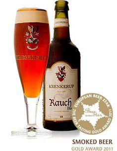 Krenkerup Rauch Bier / Denne øl er kåret til Europas bedste røgøl ved European Beer Star 2011. Vores brygmester har taget teten og skabt en specialøl med tyske aner til de danske ganer. I hjembyen Bamberg, hvor han er opvokset, er der lange traditioner for røgøl.  Krenkerup Rauch Bier er en røgøl med traditionerne intakt – tilegnet moderne tiders smagsløg og livsstil. Den smager ikke direkte røget, for det er ikke sådan, den er tiltænkt. Malten er tørret over åben ild, og i dette tilfælde…