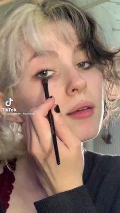 Punk Makeup, Indie Makeup, Grunge Makeup, Skin Makeup, Cute Makeup Looks, Pretty Makeup, Aesthetic Hair, Aesthetic Makeup, Maquillage On Fleek