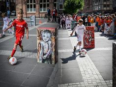 """by Herakut + Samantha Robinson - From exhibition Colours of Resilence (10 violations of children's rights) - """"Violence"""" - Frankfurt, 02.07.2014"""
