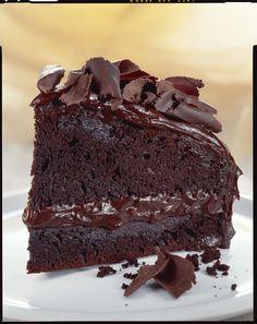 Impara la facile ricetta di Sale&Pepe e prepara questa deliziosa nonché semplicissima torta al cioccolato, perfetta per le tue merende.