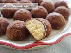 Arap Kurabiye Tarifi - Malzemeler : 3 adet haşlanmış yumurta sarısı, 250 gr oda sıcaklığında tereyağ, 1 tepeleme yemek kaşığı pudra şekeri, 3 su bardağı un, Dışı için yarım su bardağı pudra şekeri ve yarım su bardağı kakao (Veya 1 su bardağı nesquik)