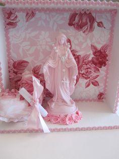 Relicario de Nossa Senhora das graças, acompanha almofada coração com oração e mini terço. R$50,00